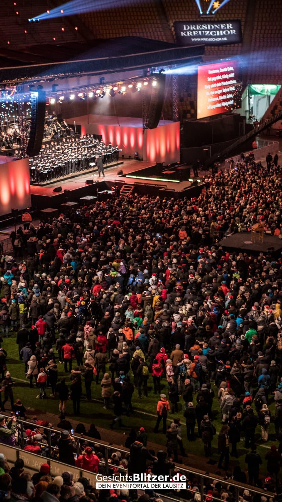 Adventskonzert 2018 Im Rudolf Harbig Stadion Gesichtsblitzerde